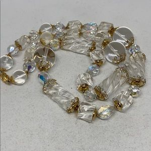 Jewelry - Beautiful hand crafted clear lucite bead necklace